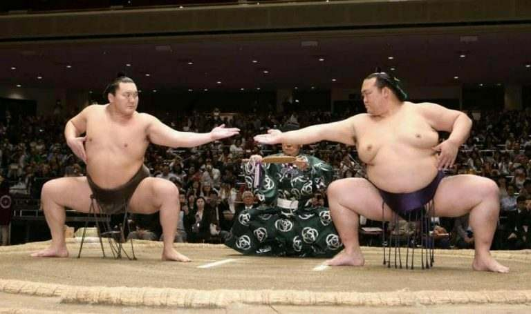 international-teacher-experience-in-japan-sumo-wrestling-two huge-japanese-men-about-to-fight