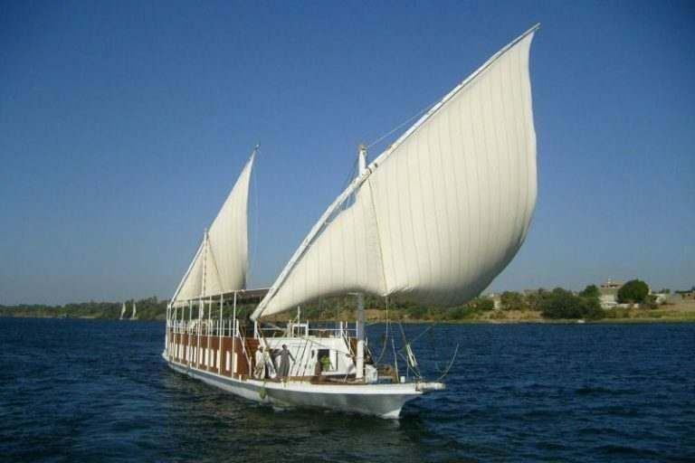 english-teachers-travelling-down-the-nile-on-a-traditonal-egyptian-boat-down-the-river-nile