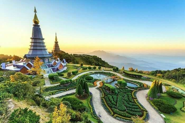 pagoda in doi Inthanon national park-is-visited-by-TEFL-teachers