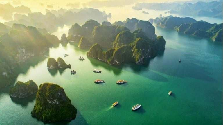 halong-bay-in-vietnam-a-must-visit-place-for-english-teachers