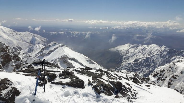 english-teachers-trekking-in-Jebel -toubkal-snow-covered-mountains