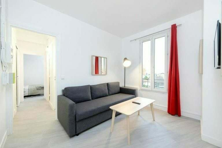 typical-size-apartment-for-teachers-in-paris