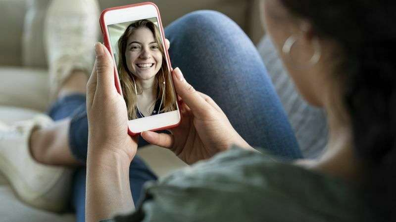 video-calling-friends-when-teaching-at-home-for-good-wellbeing